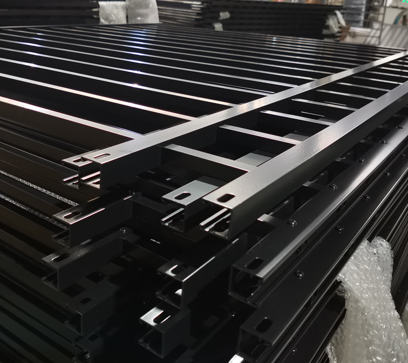 Mechanical Aluminum Fence